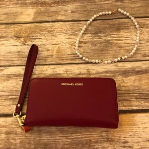 *NWT* Michael Kors Burgundy Wallet 🐙🌹